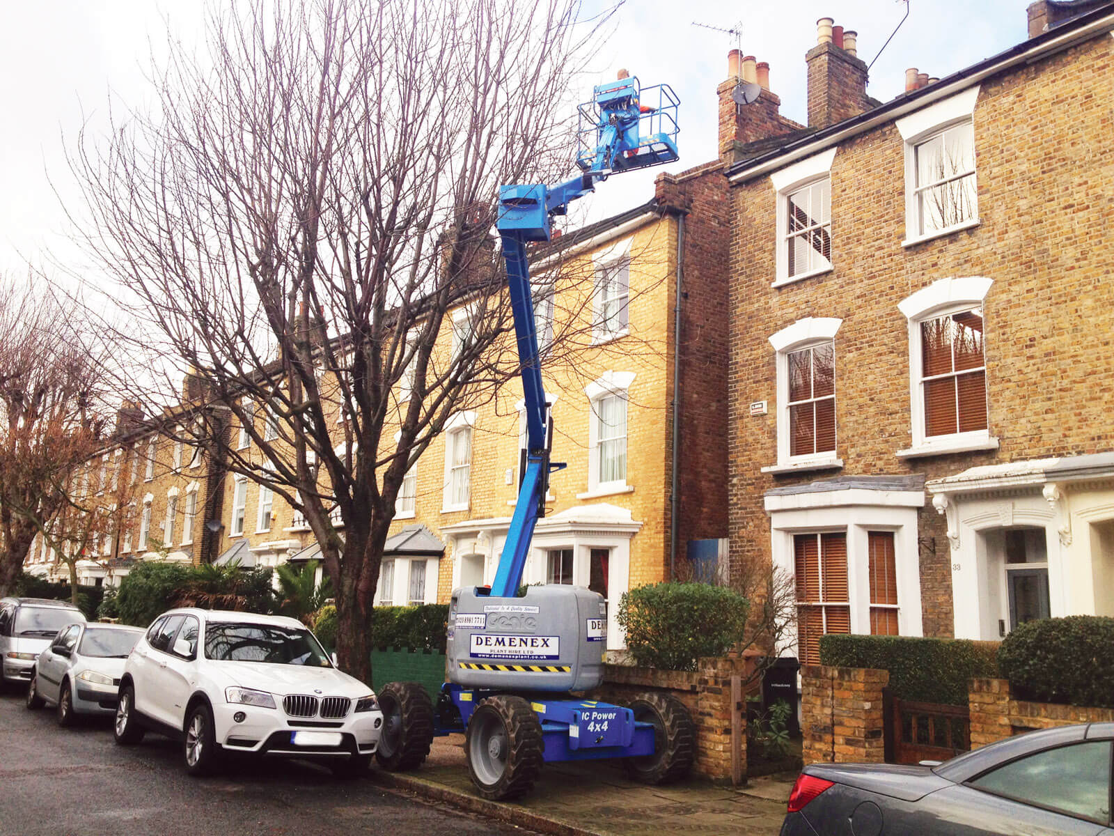Cherry picker hire prices London city